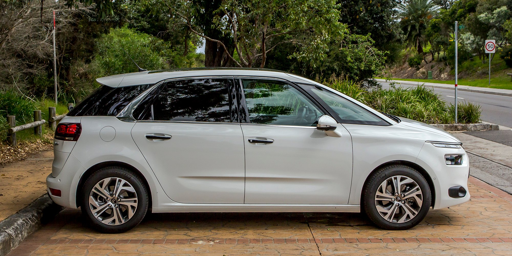 new citroen c4 picasso review