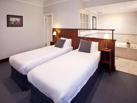 yallingup caves house hotel reviews